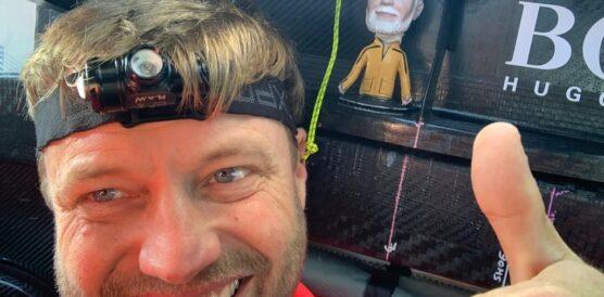 001-Alex-Thomson-onboard-day-1-8-November-2020
